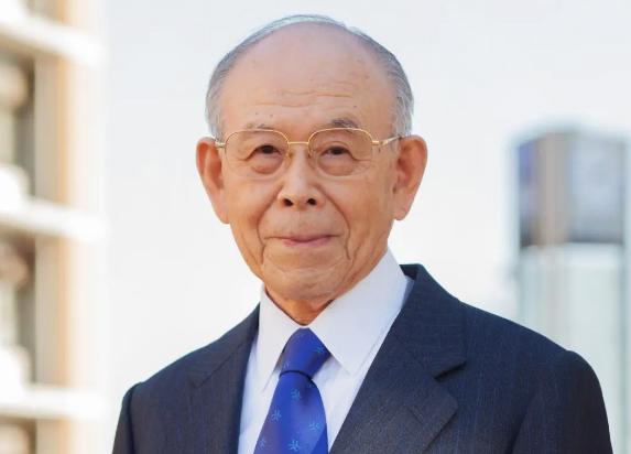 Japan's Nobel Prize winner Akasaki has passed away and invented high-efficiency blue LEDs